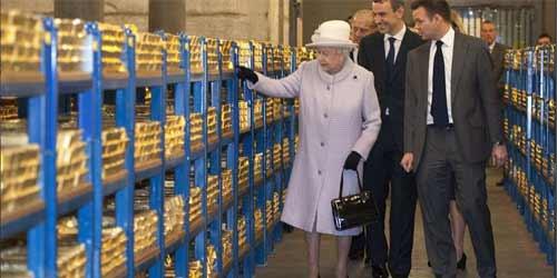 Елизавета II лично подсчитала британские золотые запасы.